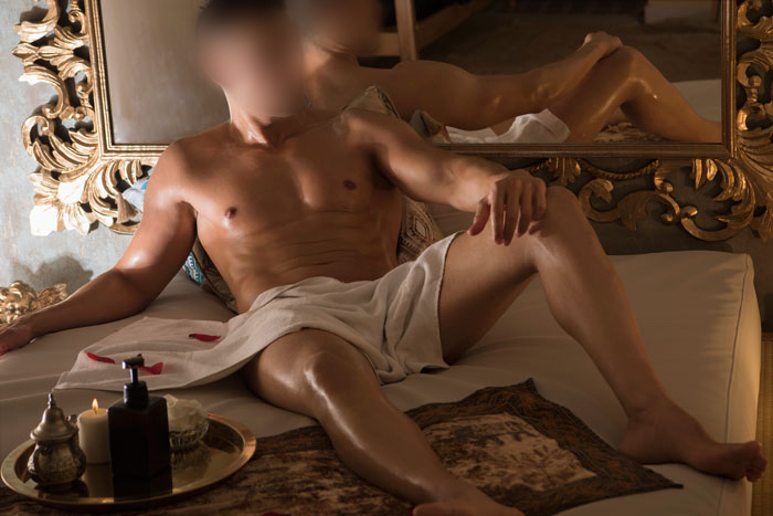 Oriol erotic masseur in Barcelona
